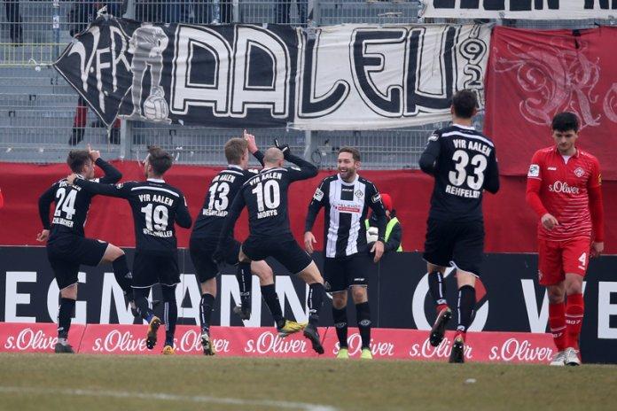27. Spieltag 17/18: Würzburger Kickers - VfR Aalen
