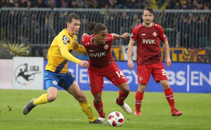 27. Spieltag 18/19: Eintracht Braunschweig - Würzburger Kickers - Bild