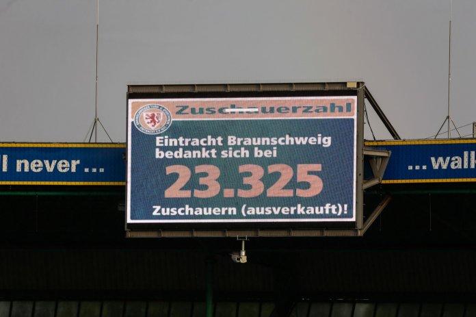 38. Spieltag 19/20: Eintracht Braunschweig - SV Waldhof Mannheim - Bild