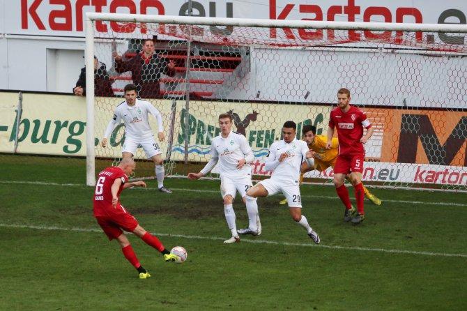 Cottbus und Bremen mit 1:1 Unentschieden zum Abschluss - Spielbericht + Bilder