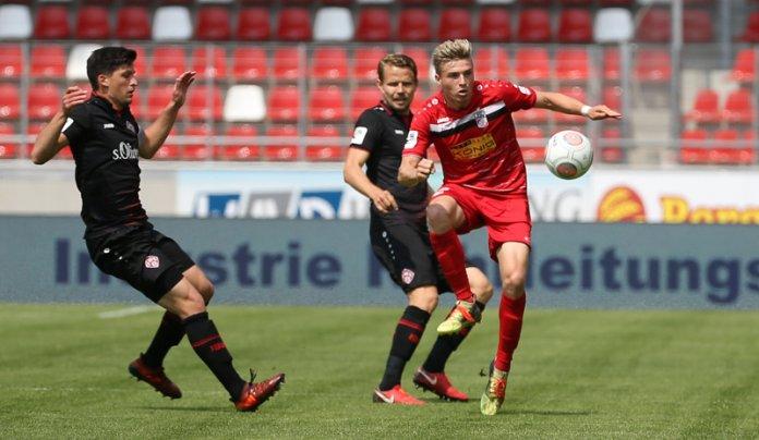 38. Spieltag 17/18: Rot-Weiß Erfurt - Würzburger Kickers - Bild