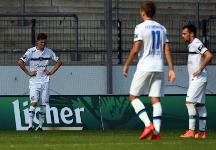 FSV Frankfurt: Spieler liefern Post aus