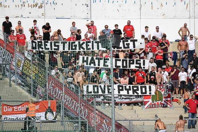 7. Spieltag 18/19: SpVgg Unterhaching - Würzburger Kickers Teil 2 - Bild
