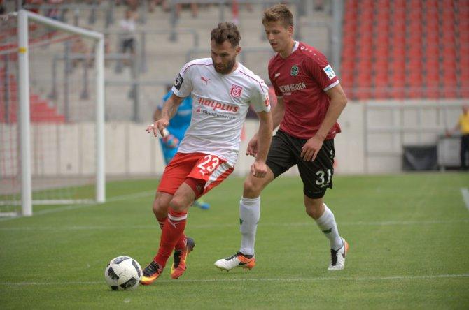 1. Spieltag: FC Rot-Weiß Erfurt – Hallescher FC