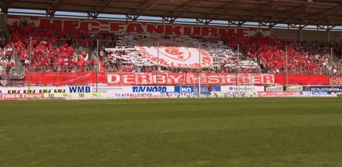 Halle Fans am letzten Spieltag (Volker Ballasch)