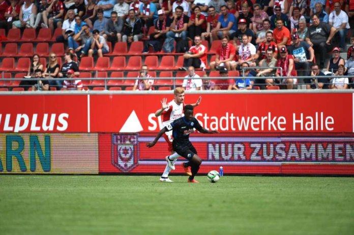 1. Spieltag 17/18: Hallescher FC - SC Paderborn 07