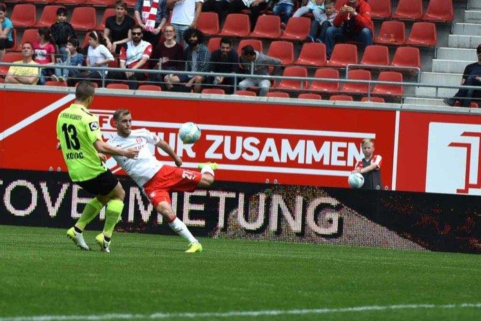 37. Spieltag 16/17: Hallescher FC - SV Wehen Wiesbaden
