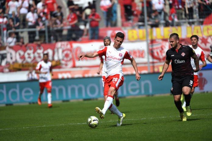 34. Spieltag 17/18: Hallescher FC - Würzburger Kickers Teil 2 - Bild