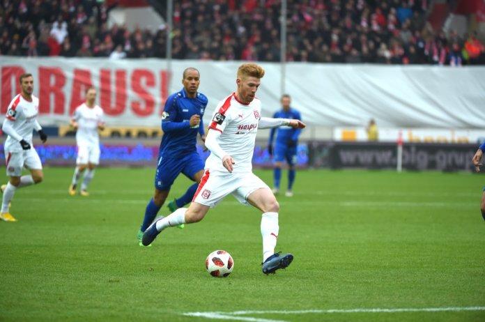 19. Spieltag 18/19: Hallescher FC - Karlsruher SC - Bild