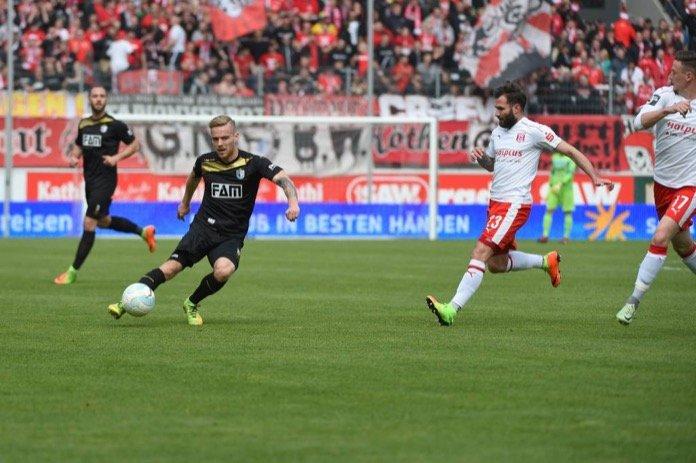 35. Spieltag 16/17: Hallescher FC - 1. FC Magdeburg
