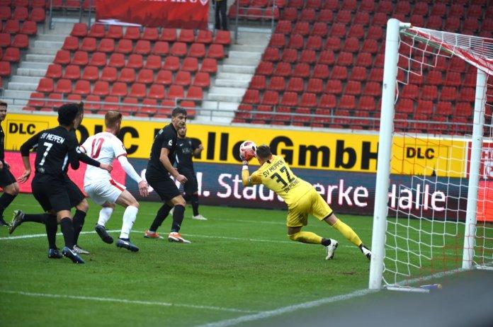 14. Spieltag 18/19: Hallescher FC - SV Meppen