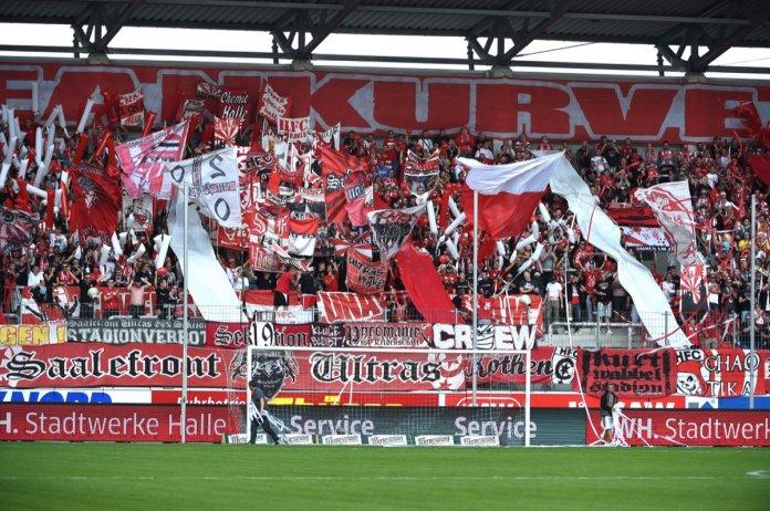 Halle mit großer Fan-Unterstützung nach München