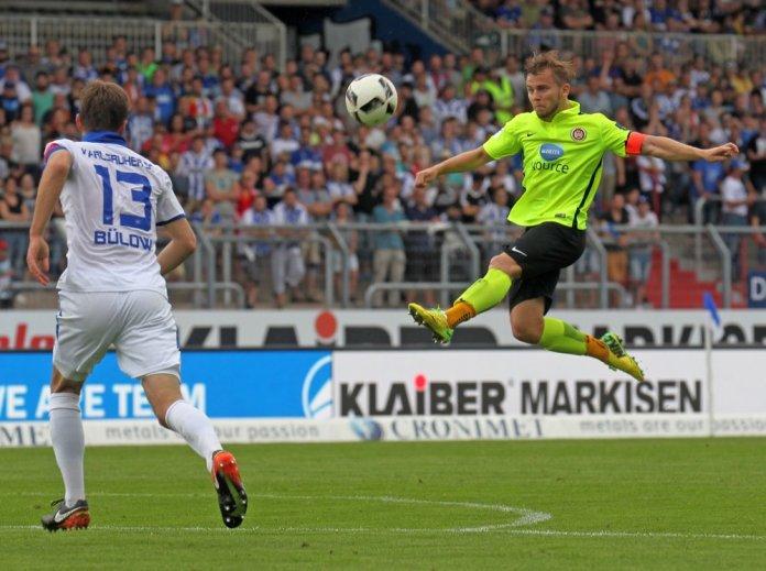 4. Spieltag 17/18: Karlsruher SC - SV Wehen Wiesbaden  - Bild