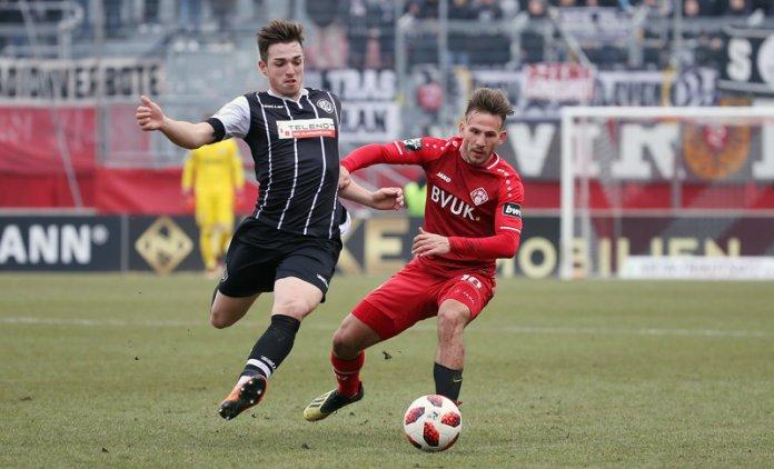 22. Spieltag 18/19: Würzburger Kickers - VfR Aalen - Bild