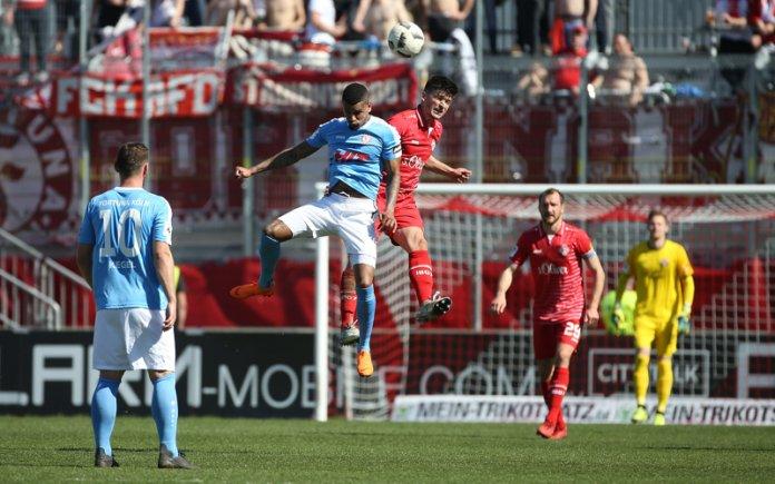 33. Spieltag 17/18: Würzburger Kickers - Fortuna Köln - Bild