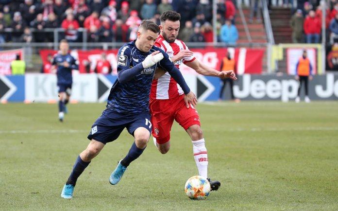 27. Spieltag 19/20: Würzburger Kickers - SV Waldhof Mannheim - Bild