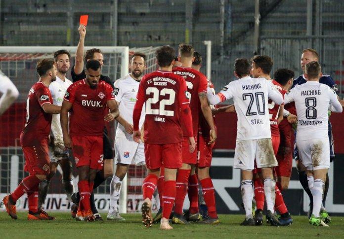 Würzburger Kickers. Drei Spiele Sperre für Ofosu-Ayeh