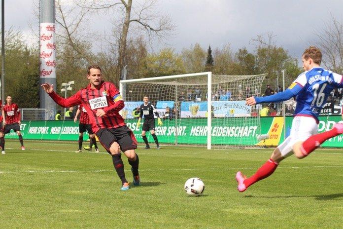 Ducksch-Hammer erlöst Kiel – Spielbericht + Bilder