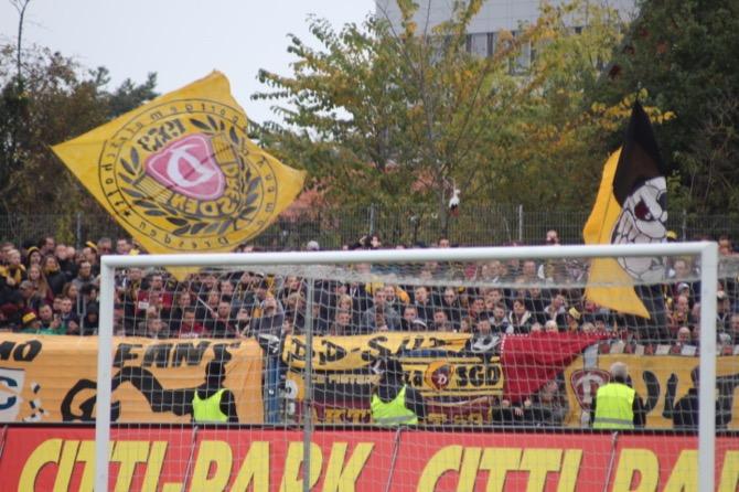 Dynamo Fans in Kiel (Marius Heyden)