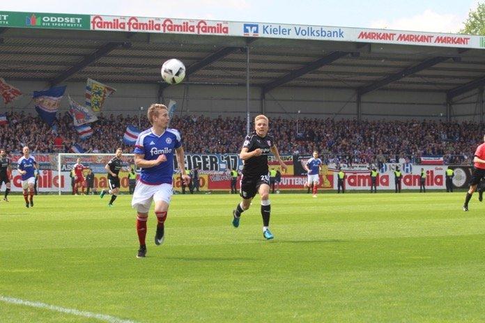 38. Spieltag 16/17: Holstein Kiel - Hallescher FC