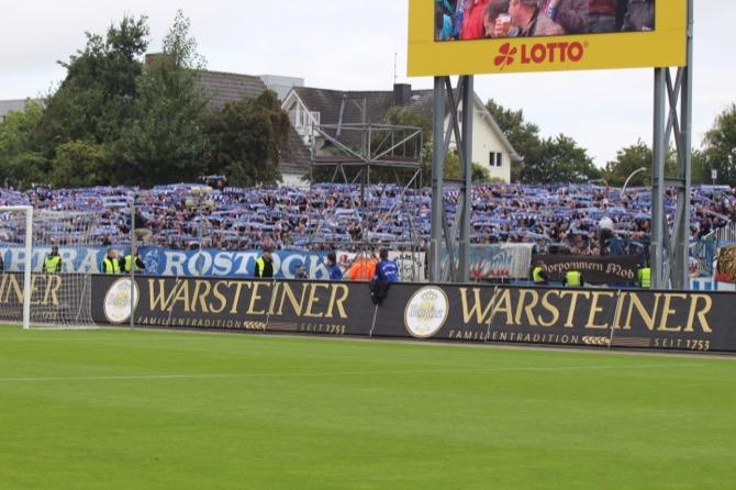 Rostock Fans in Kiel (Marius Heyden)