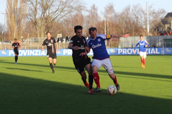 2:1 in Kiel – Würzburg holt den nächsten Auswärtsdreier – Spielbericht + Bilder