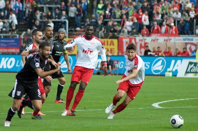 10. Spieltag 16/17: Fortuna Köln - Hallescher FC