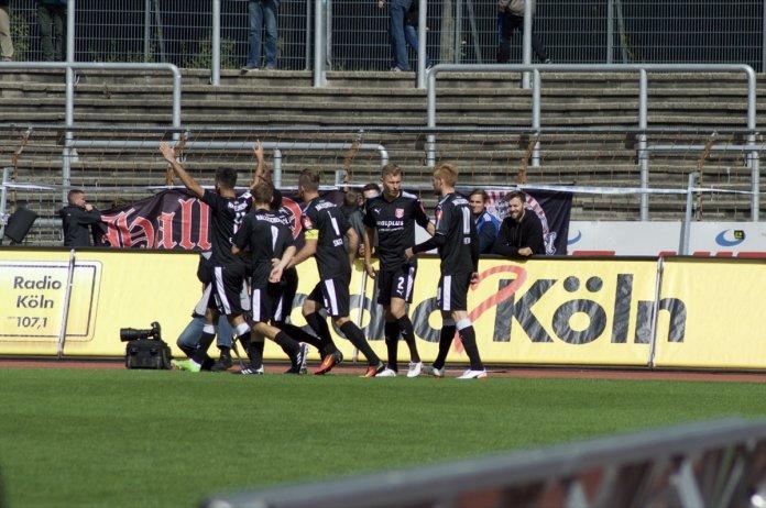 8. Spieltag 17/18: Fortuna Köln - Hallescher FC