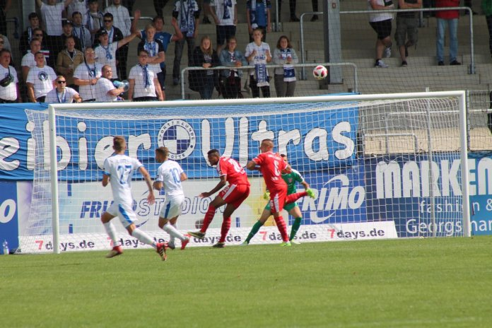 5. Spieltag 18/19: Sportfreunde Lotte - Hallescher FC
