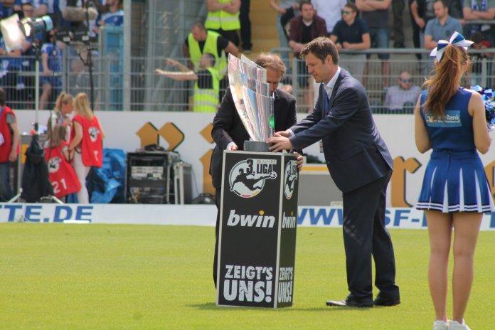 Magdeburg beendete die Saison als Meister mit 85 Punkten – Spielbericht + Bilder