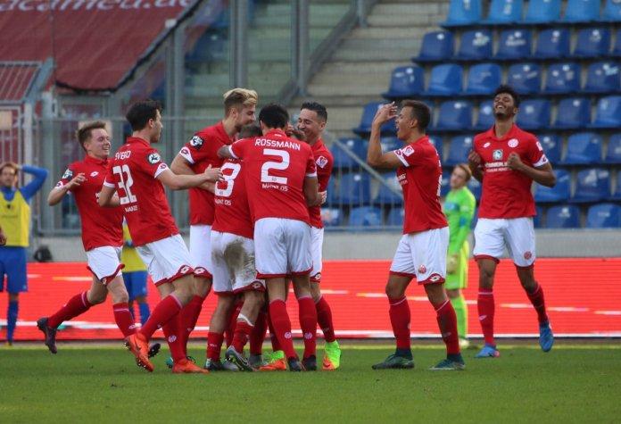 Mainz hofft nach Sieg gegen Magdeburg weiter – Spielbericht + Bilder
