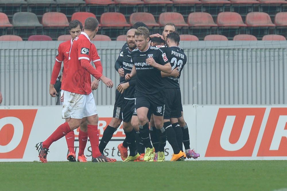 Halle feiert wichtigen Sieg in Mainz - Spielbericht