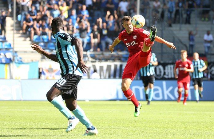 8. Spieltag 19/20: SV Waldhof Mannheim - Würzburger Kickers - Bild