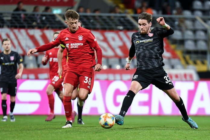 24. Spieltag 19/20: FC Bayern München II - Hallescher FC - Bild