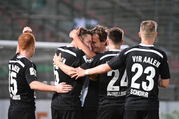 36. Spieltag 17/18: SpVgg Unterhaching - VfR Aalen