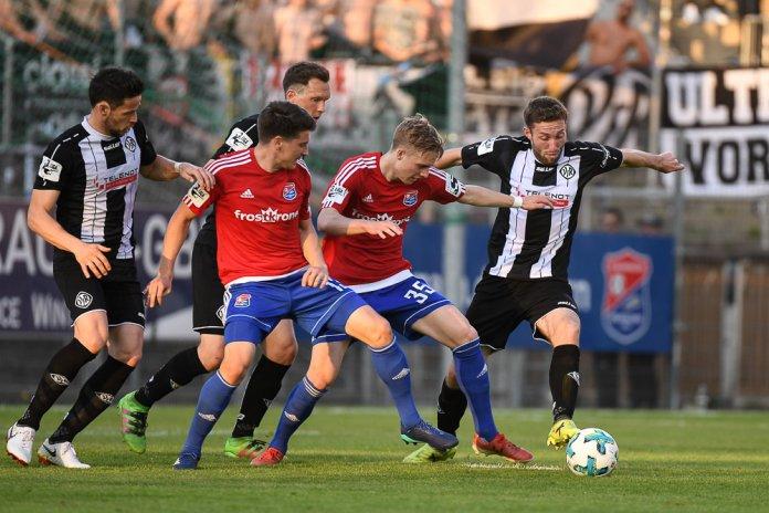 36. Spieltag 17/18: SpVgg Unterhaching - VfR Aalen - Bild