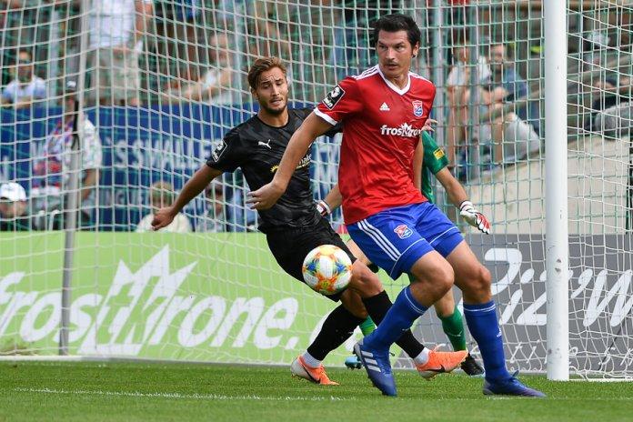 6. Spieltag 19/20: SpVgg Unterhaching - Hallescher FC - Bild