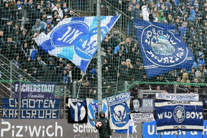 13. Spieltag 18/19: SpVgg Unterhaching - Karlsruher SC - Bild