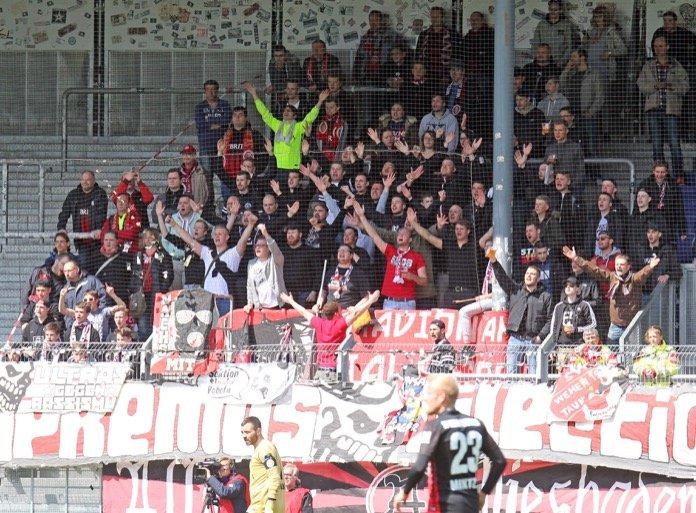 Regensburg lässt Federn in Wiesbaden – Spielbericht + Bilder