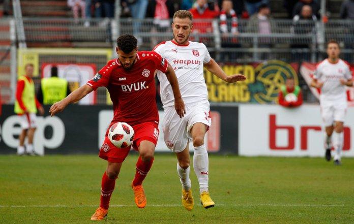 13. Spieltag 18/19: Würzburger Kickers - Hallescher FC