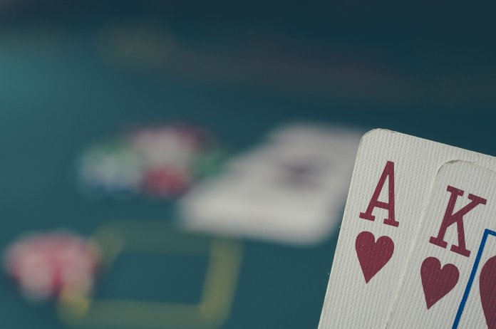 Pokerfähigkeiten, die bei Fußballwetten helfen