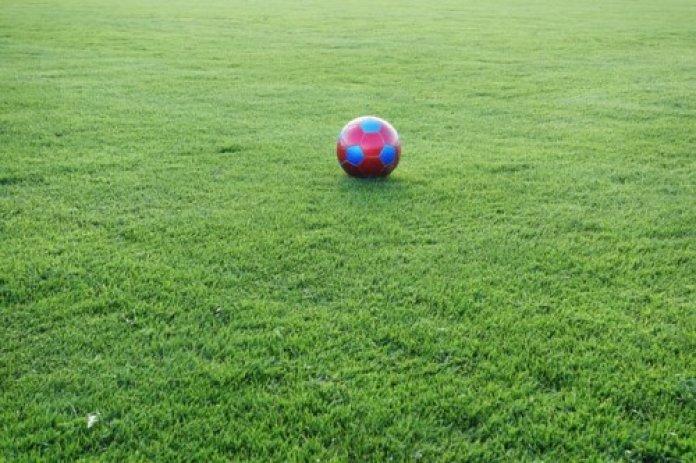 Fußballschuhe für verschiedene Plätze - ein Überblick