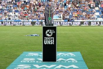 Pokal für den 3. Liga Meister