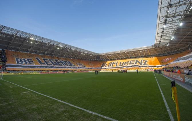 Dynamo besiegt Magdeburg vor vollem Haus - Spielbericht