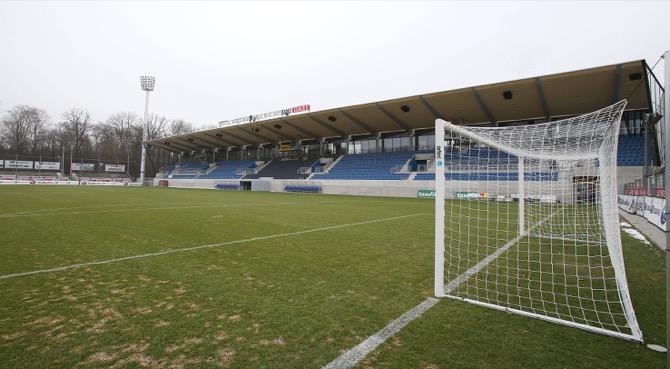 Haupttribüne modernisiertes Gazi-Stadion (imago/Pressefoto Baumann)