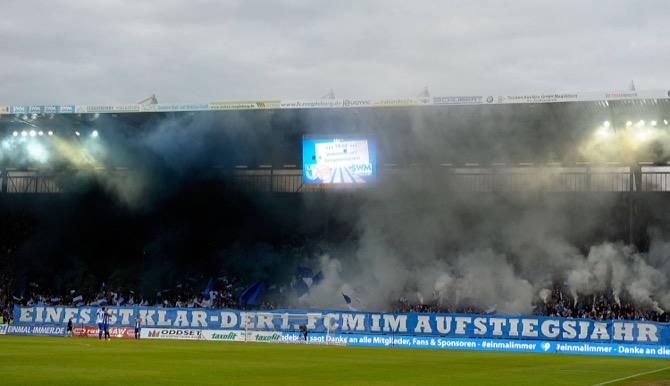 Magdeburg Fans im Hinspiel (imago/Jan Huebner)