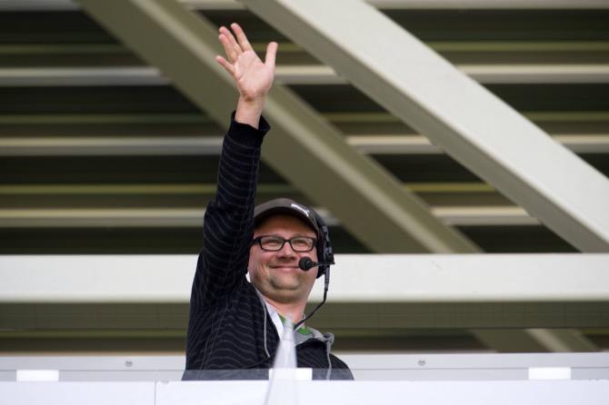 Radio Kommentator Jens Umbreit im Stadion Dresden (imago/Robert Michael)