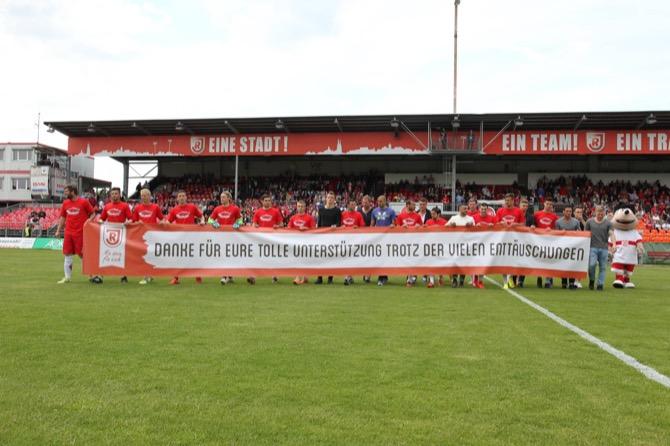 Regensburg verabschiedet sich mit Kantersieg aus Jahnstadion und Dritter Liga - Spielbericht