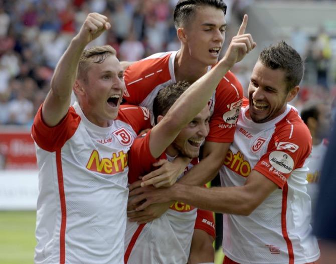 Regensburg feiert 2:0-Auftaktsieg gegen Rostock – Spielbericht